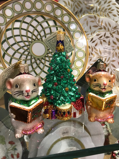 Caroling Mice by Old World Christmas