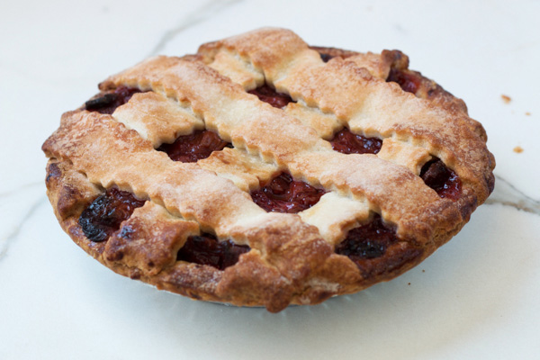 Strawberry Rhubarb Pie - Large