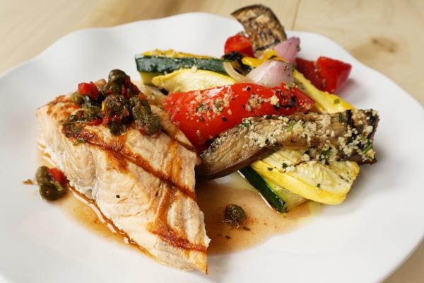 Draeger's Grilled Salmon & Vegetables