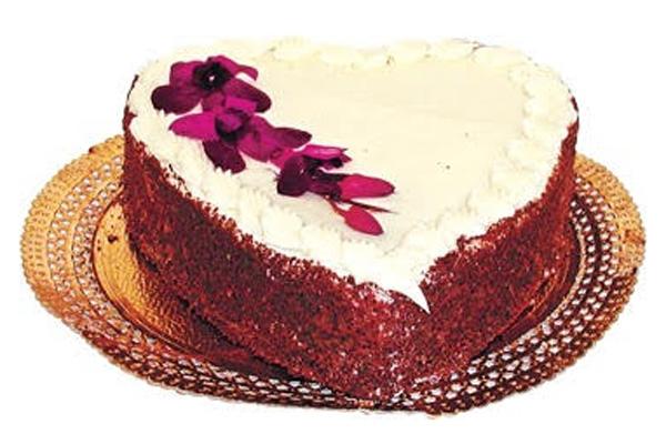 "Draeger's Chocolate Fudge Cake - 8"" Heart (Feb  Only)"