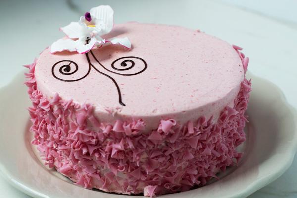Draeger's Vanilla Cake with Strawberry Buttercream - Single Layer