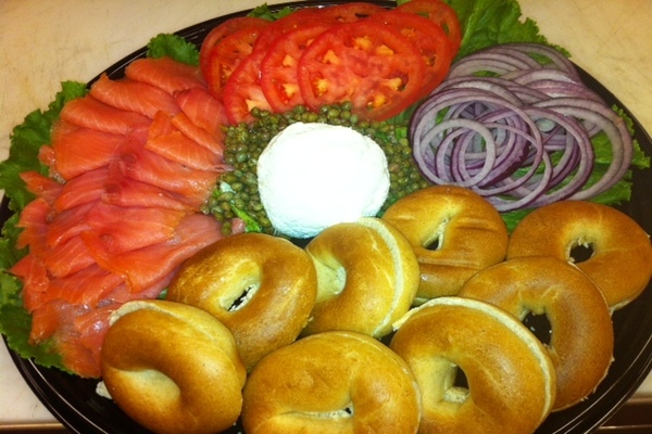 Draeger's BAGEL AND LOX TRAY