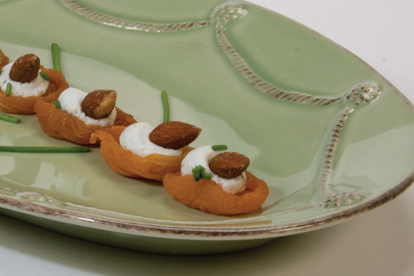 Draeger's Topped Dried Apricots