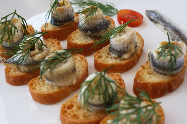 Draeger's Spanish Anchovy Crostini