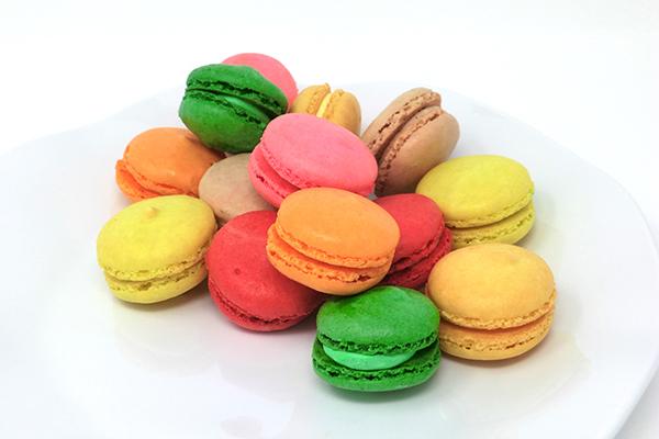Draeger's French Macaron - Mango