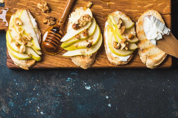 Bartlett Pear & Gorgonzola Bruchetta